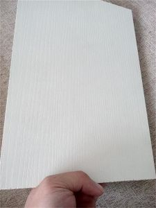 Red Oak Color Melamine Laminated Plywood with Hardwood Core pictures & photos