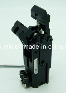 Factory High Precision Automatic Industrial Robot Arm for Auto Parts Stamping pictures & photos