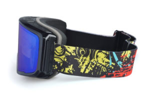 Coated PC UV 400 Photochromic Polarized Goggles for Skiing pictures & photos