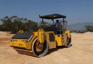 Double Drum Vibratory Road Roller (XD102) pictures & photos