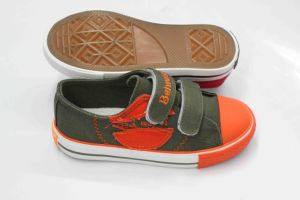 Fashion Style Kids Canvas Shoes for Rubber Outsole (SNK-02084) pictures & photos
