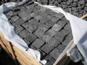 Granite Cobble Stone Black Basalt Cube Stone pictures & photos