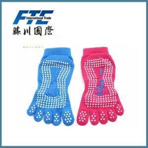 Men Women Nylon Sports Socks pictures & photos