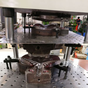 Simulation Fake Artificial Leaf Leaves Vertical Injection Molding Making Machine pictures & photos