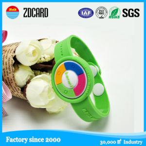 Green Clasp Silicone Wrist Strap RFID Wristband pictures & photos