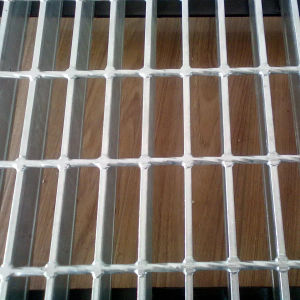 Flat Type 30*3 Galvanized Steel Grating pictures & photos