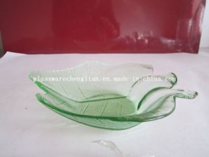 Solid Color Flower-Shape Glass Plate (P-030) pictures & photos