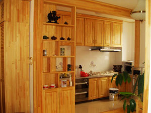 Ritz Kitchen Cabinets Chinese Style Tradition Solid Wooden Kitchen Furniture pictures & photos