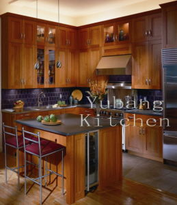 New Design Solid Wood Kitchen Cabinet Classic Furniture 240
