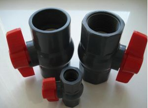 Various Size of PVC Ball Valve Price PVC Compact Plastic Ball Valve pictures & photos