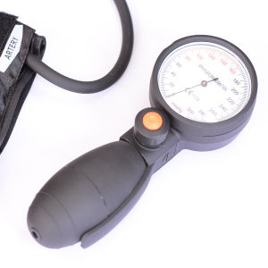 Palm Blood Pressure Monitor Sw-As26 pictures & photos