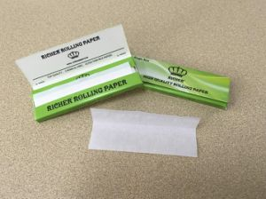 Customized 14GSM Transparent/Bleached Slow Burning Cigarette Rolling Paper pictures & photos