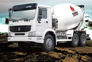 HOWO Brand Concrete Mixer Truck /Cement Mixer Truck pictures & photos
