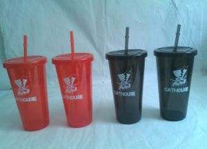 Plastic Drinking Cups with Straws pictures & photos
