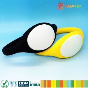 Contactless Waterproof Plastic Cover Silicone RFID Wristband pictures & photos