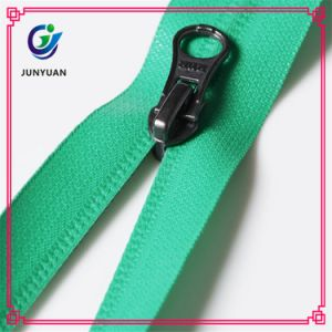 China Manufacturer Waterproof Nylon Zipper pictures & photos