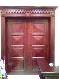 Solid Wood Door, Classic Style Double Door with Carving pictures & photos
