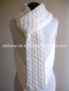2016 New Design Fashion Custom Hand Knitted Scarf pictures & photos