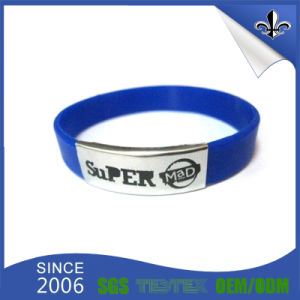 Popular Promotion Customized Fashion Silicone Wristbands pictures & photos