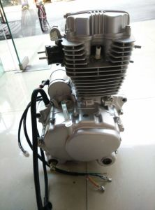 Cg125 125cc Engine Pz26 Carburetor Motorcycle Engine pictures & photos