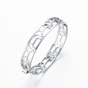 Butterfly Hollow Silver Plated Zinc Alloy Bangle pictures & photos