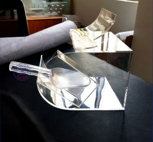 Luxury Clear Acrylic Cosmetic Candy Bar Display Boxes pictures & photos