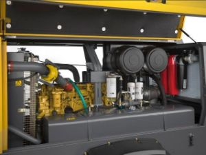 Atlas Copco Portable Screw Air Compressor (XATS377 XATS800) pictures & photos