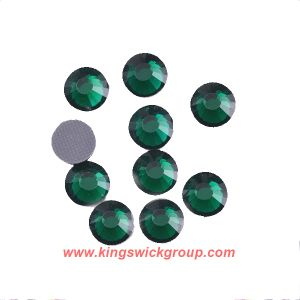 Emerald Shining Strass Hotfix Flat Back Rhinestone Strong Glue Hot-Fix Crystal in Bulk for Decoration pictures & photos