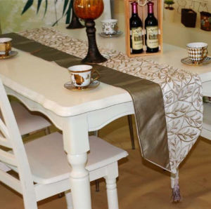 Embroidery Table Runner Embroidery Decorative Table Flag (JTR-37) pictures & photos