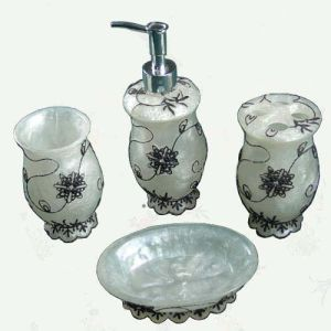 New Personality Ceramic Bath Set pictures & photos