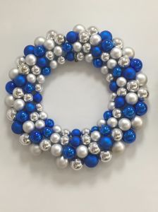 Balls Wreath with LED String Lighting (various sizes) pictures & photos
