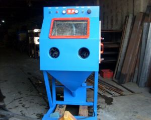 Wet Blasting Cabinet pictures & photos