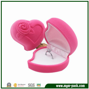 Lovely Christmas Heart Plastic Jewelry Box pictures & photos