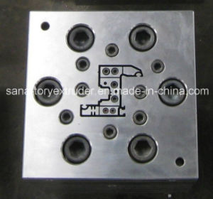 CE Certificate Plastic PVC Window Profile Extrusion Mould/Die pictures & photos
