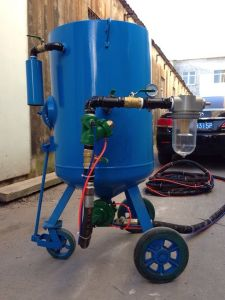 Portable Pressure Sandblasting Pot 100L 200L 300L pictures & photos