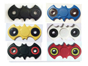 High Quality Bat Winged Model Finger Tri-Spinner pictures & photos
