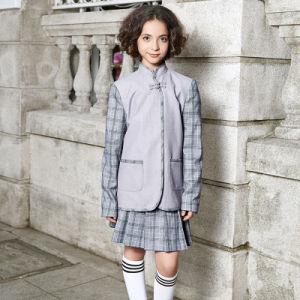 Middle School Uniform Kids Three Button Blazer with Contrast Stripes pictures & photos