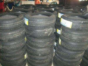 Factory Direct Supply Motor Tyre 300-18 YT-208 TT pictures & photos