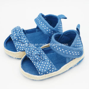 Soft Canvas Infant Shoes for Baby Girls pictures & photos