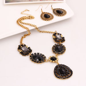 Fashion Diamond Rhinestone Necklace Earring 2 PCS Set Jewelry pictures & photos