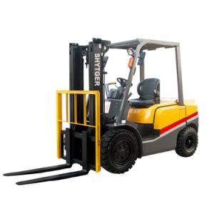 1500 Kg Mini Light Weigh Forklift with Diesel Engine pictures & photos