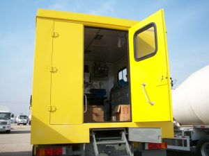Sinotruk HOWO 4X4 Mobile Workshop Truck for Repair and Maintenance pictures & photos