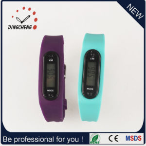 Fashion Watches Pedometer Wristwatch Silicone Watch (DC-002) pictures & photos