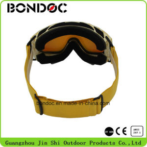 Custom Color Anti-UV400 Ski Goggles pictures & photos