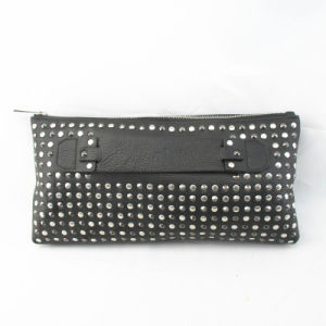 Ladies′ Studs Clutch in Genuine Leather pictures & photos