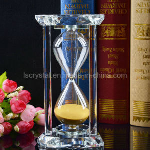 Heart Shape Crystal Hourglass for Souvenir or Holiday Gifts Birthday Gift pictures & photos