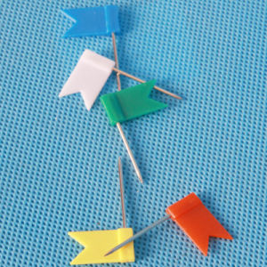 Gift Coloured Plastic Flag Push Pin Stationery (QX-HP001) 18*32mm pictures & photos