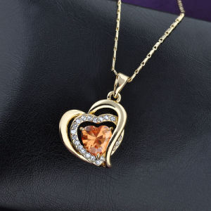 Hot Sale Yellow Gold Heart Pendant Crystal Necklace pictures & photos