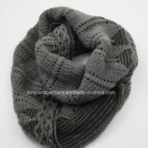 Acrylic Fashion Winter Warm Unisex Blue/ Black Knitted Neck Scarf pictures & photos