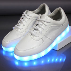 2016 Hot Sale LED Shoes/Light up Shoes pictures & photos